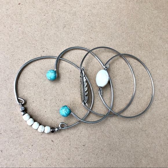 Jewelry - Set of 4 Beachside Bracelets 🐚